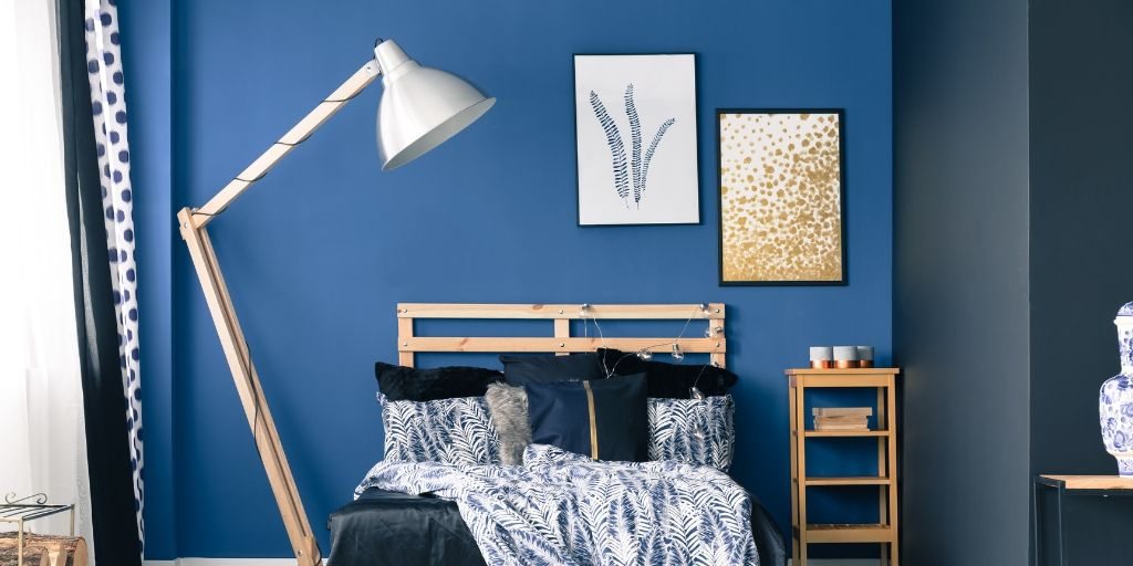 When you live in an apartment you are at the mercy of your landlord. Some may be fine with you painting but others might not be so keen on the idea. Here are paint free alternatives for making your home your own with wall decor projects!